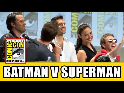 Batman vs Superman Comic Con 2014 - Henry Cavill, Ben Affleck & Gal Gadot