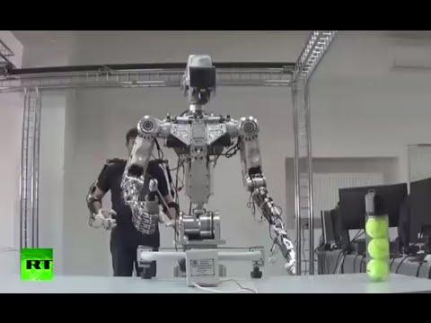 ロボットが遠隔操作で人間の動きにシンクロして動く!