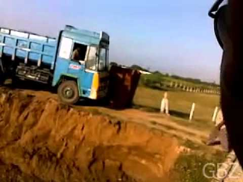 Lorry Accident In India