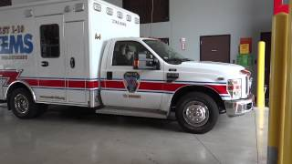 West 10 Fire Dep ambulance responding to emergency (Ambulancia en emergencia) Texas 07-13