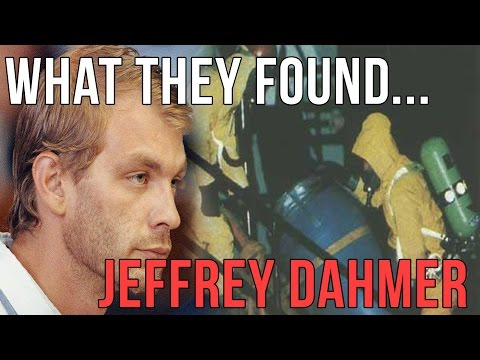 Jeffrey Dahmer   What They Found At His Apartment