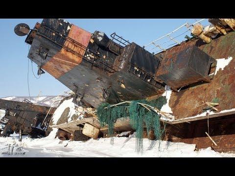 BARCOS ABANDONADOS. Cementerio de barcos de Kamchatka