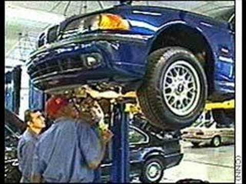 This Is Why Mechanic Love To Deal With Women... video