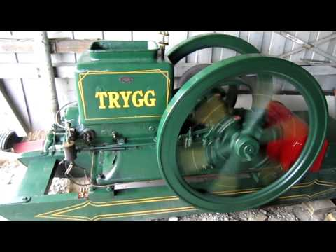 Starting a 8 hp Trygg stationary engine. TRYGG MOTOR. Made by Brødrene Øveråsen, Gjøvik Norway
