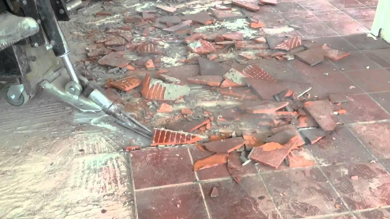 VloerSterk : Oude tegelvloer verwijderen uit woning met Ride-on Pro ...