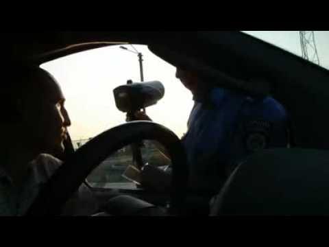Водитель против инспектора-психопата