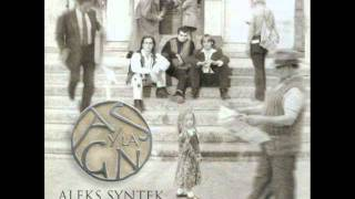 Watch Aleks Syntek La Tierra Por Conquistar video