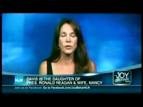 Patti Davis discusses posing nude at age 58 for More magazine on The Joy ...