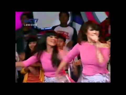 download lagu Pinkan Mambo - Kasmaran di Dahsyat (Belly dance version) gratis
