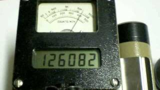 geiger counter ludlum 2221 fonti radioattive: radio, autunite, torio.MOV