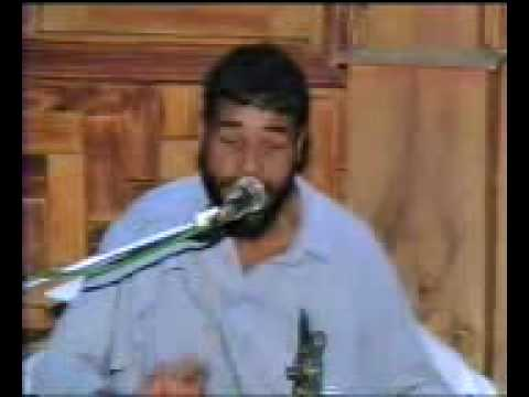 Blind man singing kumar sanus song Must see.MP4