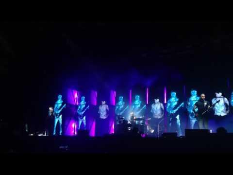 Muse - Supermassive Black Hole Live (Upark Fest, Kiev 08/07/2016)