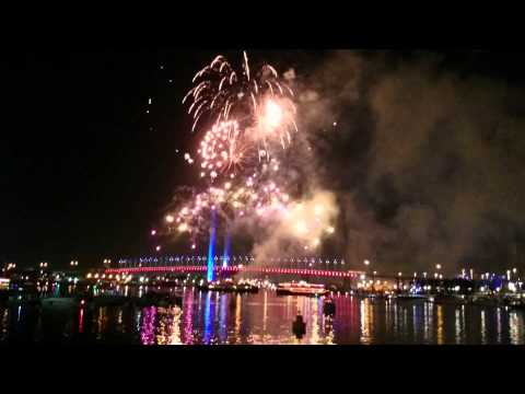 New Year Fireworks Melbourne 2015 - Docklands