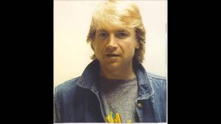 Watch Justin Hayward Lost And Found video