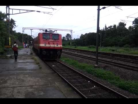 Bangalore Express [Train 16525] stopping at Piravam Road Railway Station