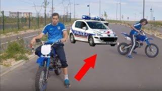IL C'EST FAIT ARRÉTER PAR LA POLICE EN MOTO CROSS 😡 PRANK