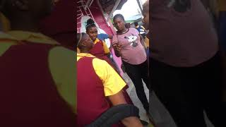What's going on with Jamaican schoolkidz... school girls fight