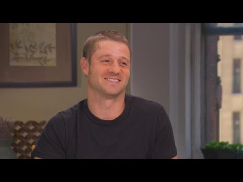 Exclusive: Ben McKenzie Explains Injury on 'Gotham' Set