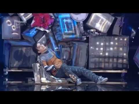 Atai Omurzakov 2011 Wall-e - The Best Robot Dance.flv video