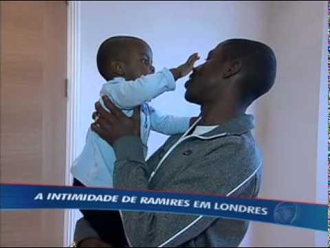 Ramires abre as portas de sua casa em Londres e fala sobre gol em cima do Barça