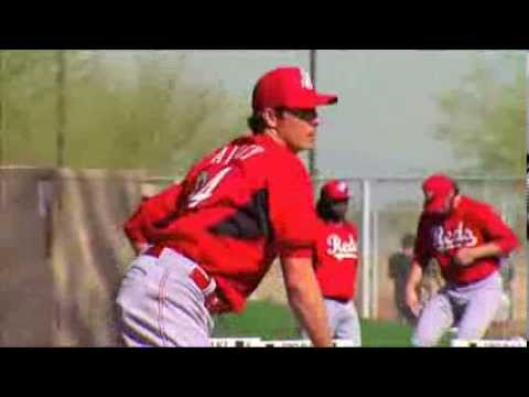 Reds agree to new contract with Homer Bailey