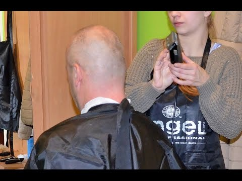 Going bald by young barberette