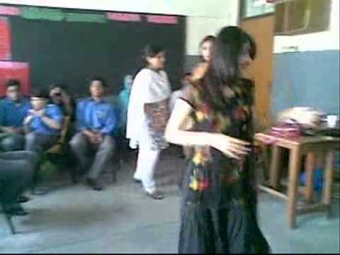 Emotinal Atyachar Sexy Girl Pakistani Girl Dance In Classroom video