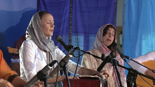 Jai Jagdeesh Sings Aad Guray Nameh At Sat Nam Fest 2011