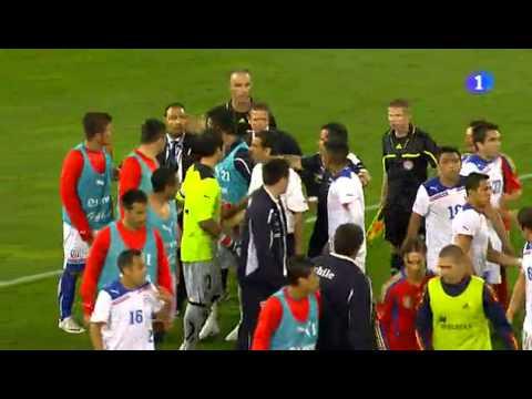 España 3-2 Chile - la Pelea entre jugadores al Final del partido - 02/09/2011