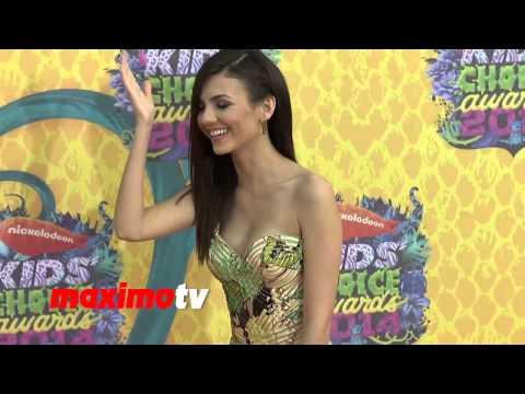 Bella Thorne Nip Slip Victoria justice nipple slip