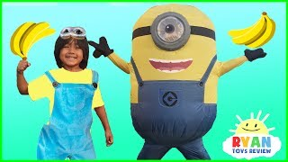 GIANT MINION IN REAL LIFE VISITS Ryan ToysReview