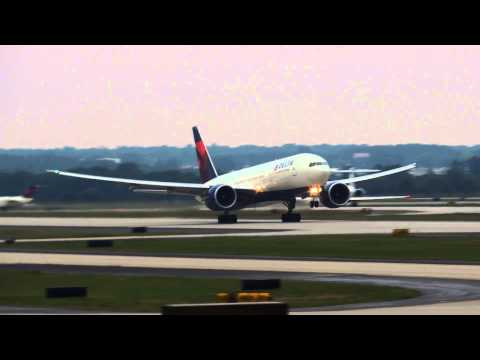 ATL: The Friday Night Fantastic - Rwy 27R & 27L