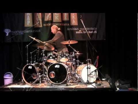 MorganÃ…gren plays Special Defects medley in Helsinki (Part 2)