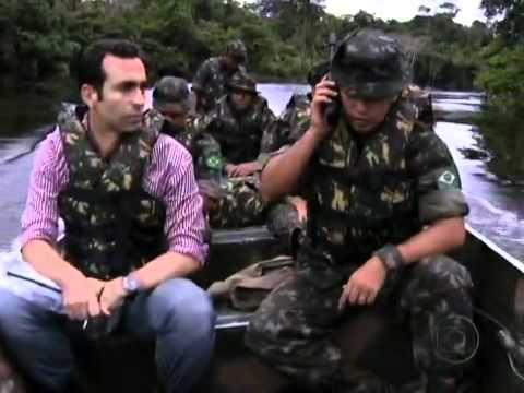 Jornal Nacional - Fronteiras do Brasil são passagens fáceis para criminosos de dez países.