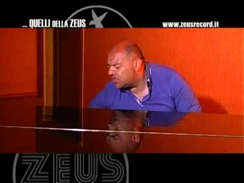 Leo Ferrucci - 'A cchiù bella 'nnammurata - QUELLI DELLA ZEUS 2012 Official Video