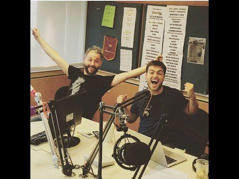 Reacción de los presentadores de Radio Metro (Argentina) al escuchar su canción personalizada
