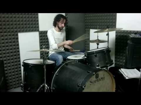 Blonde Redhead - Futurism Vs. Passeism Part 2 (drum cover)