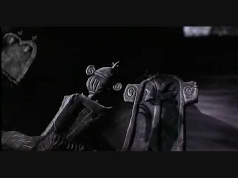 Tim Burton's The nightmare before Christmas intro: ita