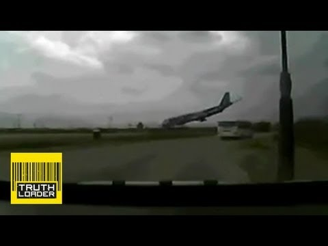Plane crash caught on film in Bagram, Afghanistan - Truthloader