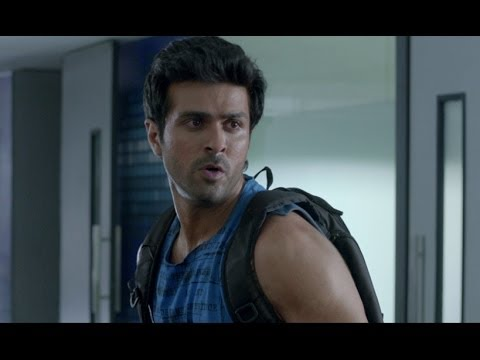 Harman Baweja's Narrow Escape - Dishkiyaoon