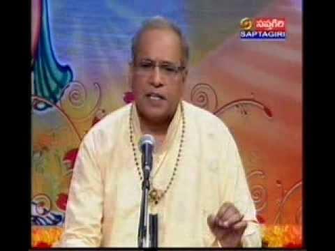 Bhavayami Gopalabalam video