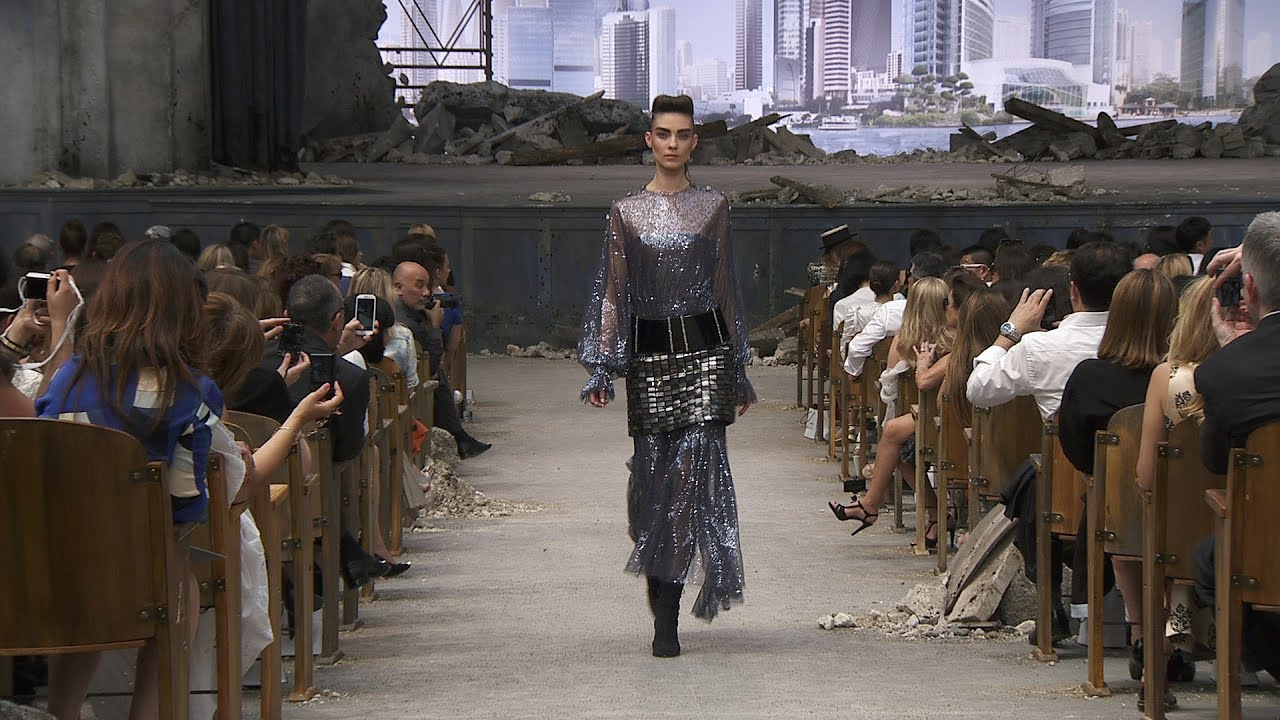 Fall Winter 2013 14 Haute Couture Chanel Show Youtube