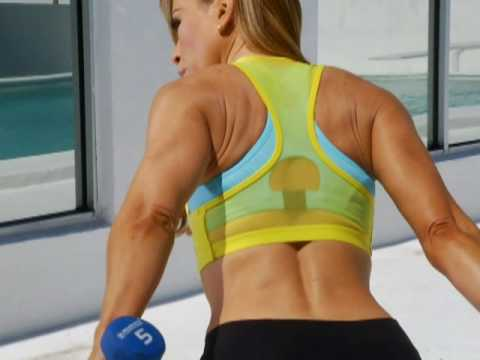 CLAUDIA MOLINA TRAINS HER TRICEPS! Video