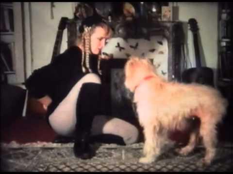 La Chienne Twizzle Avec Cathy Vogan (1992) De Gérard Courant - Cinécabot #5 video