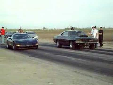 Corvette Stingray Dodge Viper on Corvette Vs  Charger 01 26 Mins   Visto 1224533 Veces   Agregado Hace