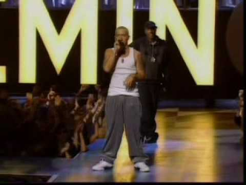 Eminem - The Real Slim Shady + The Way I Am - Live At The MTV Music Awards