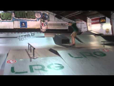 Earthwing Hightailer - Evan Ward ( Skating the Longboard )
