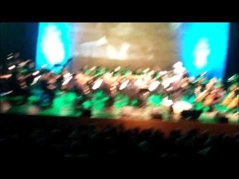 איציק שמלי - הפרח בגני - עם הסימפוניה חיפה בליווי 84 נגנים.