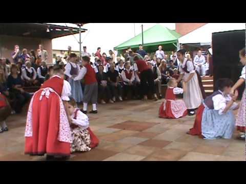 Kinder tanz - festa das etnias.mpg