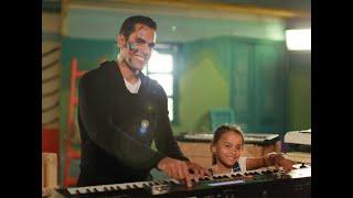 ماجدة زكي وآسر ياسين وزيدان مع نجوم الفن في أغنية